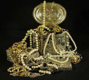 Old jewels and gold